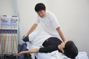 産後骨盤矯正施術